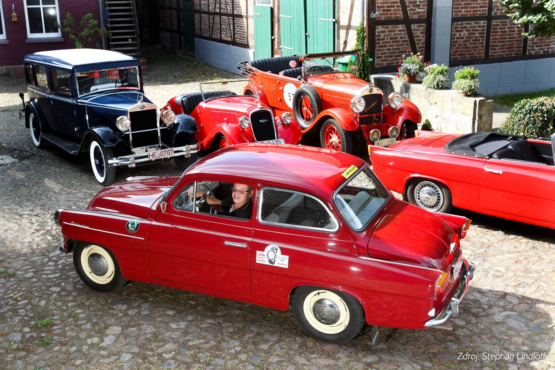classic-car-sudeck-skoda-czech-1920x1280