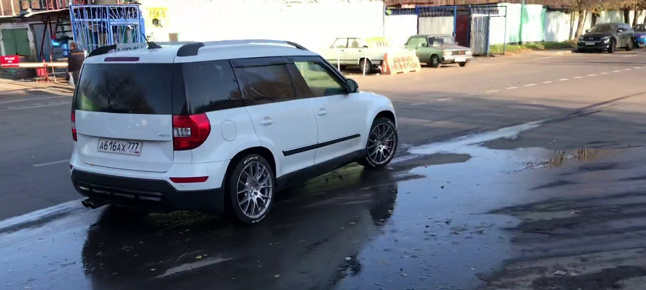 skoda-yeti-25-tfsi-motor-audi-rs3-video