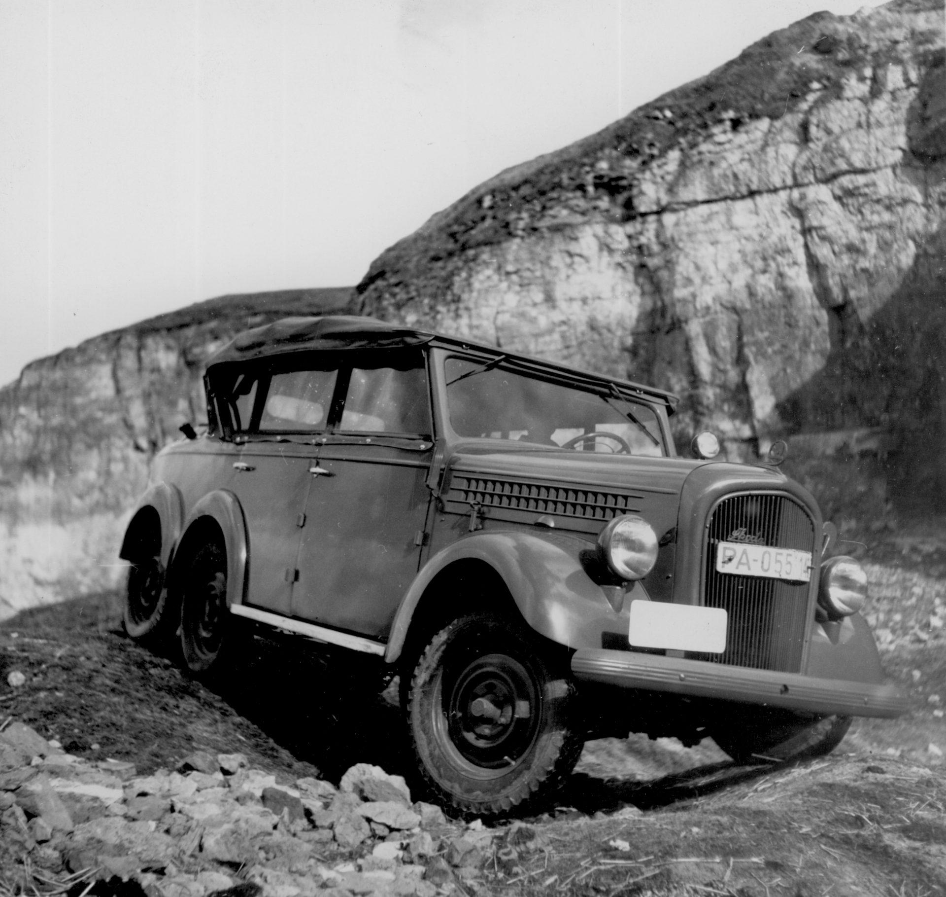 180530-Automobily-ŠKODA-ve-službách-československé-armády-ŠKODA-903-1-1920x1819